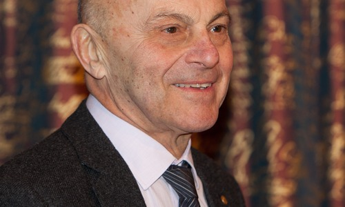 Eugene_Fama_at_Nobel_Prize_2013.jpg